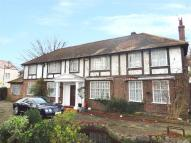 6 bed Detached house in Brighton Road, Purley...