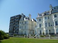 2 bed Flat to rent in Clifton Crescent...