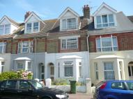4 bed property in Garden Road, Folkestone...