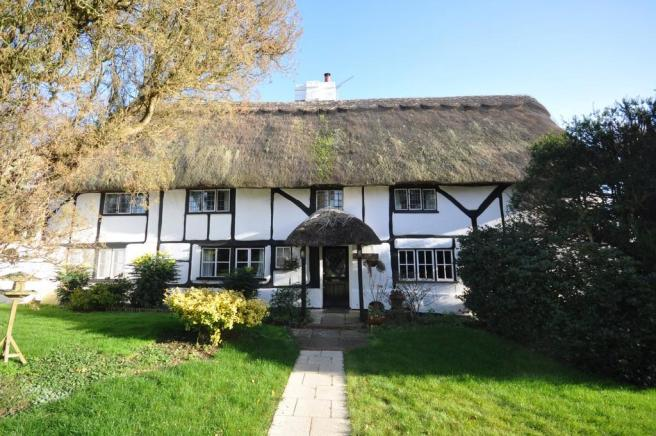 5 bedroom cottage for sale in The Old Farmhouse Great Horwood MK17