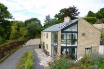 4 bedroom Detached house in Huddersfield Road...