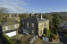 6 bedroom Detached house for sale in Southgate, Honley...