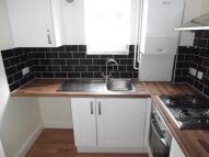 Flat to rent in Rumbridge Street, Totton...