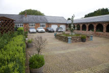 6 bed Detached home in Winchester, Hampshire