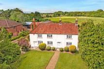 4 bedroom Detached house in Colden Common, Hampshire