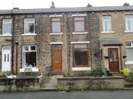3 bed Terraced house in Hollins Glen...