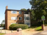 Flat to rent in Castle Court Castle Road...