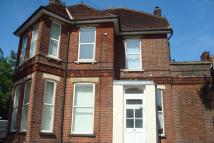 Flat to rent in Cobden Avenue...