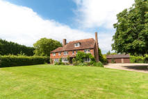 6 bedroom Country House to rent in Colliers Green...