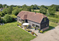 4 bedroom Country House in Bethersden Road...