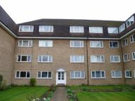 2 bed Flat to rent in Linden Grove, New Malden...