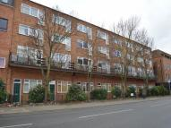 1 bedroom Flat in Coombe Road, New Malden...