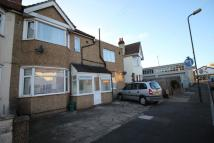 1 bed Flat to rent in Cobham Avenue...