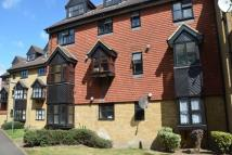 Flat to rent in Kingston Gardens...