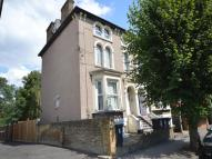 Flat in Lennard Road, Croydon...