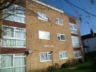 Flat in Maldon Road, Wallington...