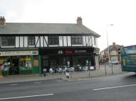 2 bed Flat in Cowbridge Road East...
