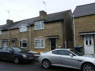 3 bed End of Terrace home to rent in Avenue Road, Huntingdon...