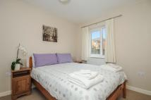 Apartment to rent in Hadow Road, Marston...