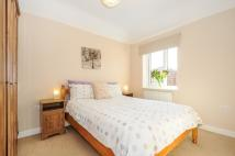 Hadow Road Apartment to rent