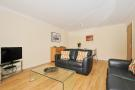 Living/dining araea