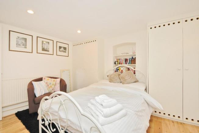 Sleeping/Living Area