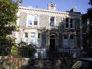 2 bedroom Flat in Oakfield Road, Clifton...