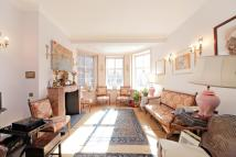Flat for sale in Great Peter Street...