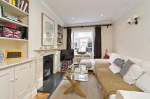 3 bedroom house in Maunsel Street, London...
