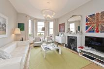 Flat to rent in Ashley Gardens, London...