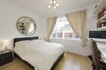 Studio apartment in Buckingham Gate, London...