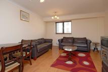 3 bedroom Flat in Vauxhall Bridge Road...