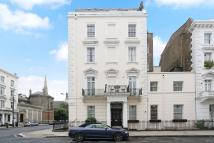 2 bed Flat to rent in St Georges Drive, London...