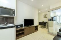 2 bedroom Flat to rent in Upper Tachbrook Street...