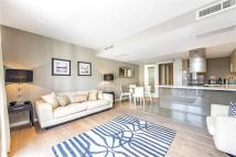 Flat to rent in Palace Place, London...