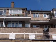 2 bed Flat in Hill Avenue, AMERSHAM...