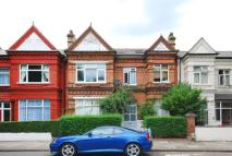 Apartment to rent in Brondesbury Villas...
