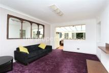 Apartment to rent in Willesden Lane, Kilburn...