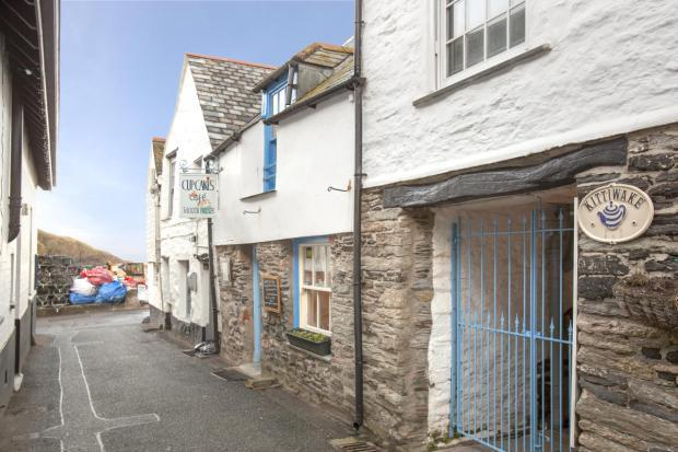 6 Bedroom Terraced House For Sale In Middle Street Port