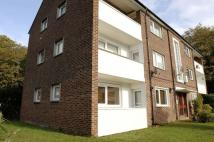 1 bed Ground Flat to rent in Summers Close, Weybridge