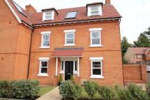 4 bed semi detached house in Hebbes Close, Kempston