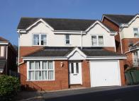 4 bedroom Detached property to rent in Trelissick Road...