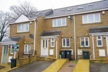 Town House to rent in Platt Court, Leeds Road...
