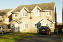 3 bedroom semi detached property to rent in Yewdall Way, Idle, BD10.