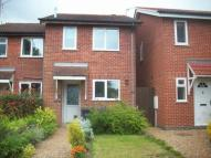 Town House to rent in Richardson Close...