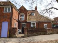 Flat to rent in London Street, Andover...