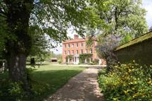 10 bedroom property for sale in Newmarket Road, Fordham...