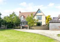 4 bed Equestrian Facility home in Great Finborough...