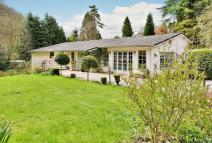 5 bed Detached home in Ferney Green...