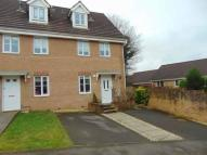 3 bedroom semi detached house in Sycamore Avenue, ...